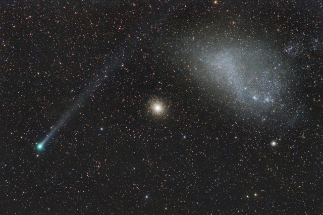 Comet Lemmon and 47 Tuc globular cluster of stars and Small Magellanic Cloud dwarf galaxy - 17 Feb 2013